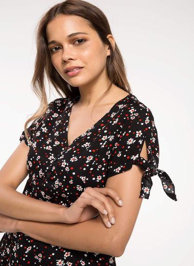 DeFacto V Yaka Çiçekli Kloş Elbise Siyah